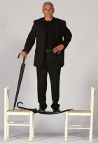 Tom Kurz Stands On The Unbreakable Umbrella, The Ideal Self-Defense Weapon